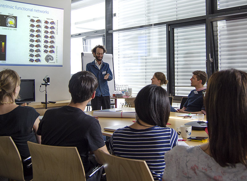 Daniel Margulies of Max Planck Institute for Human Cognitive and Brain Sciences (MPI CBS) explains in his workshop the Resting State fMRT method.<br /><br />